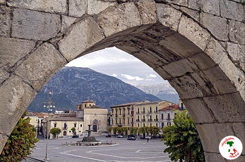 garibaldi square in sulmona